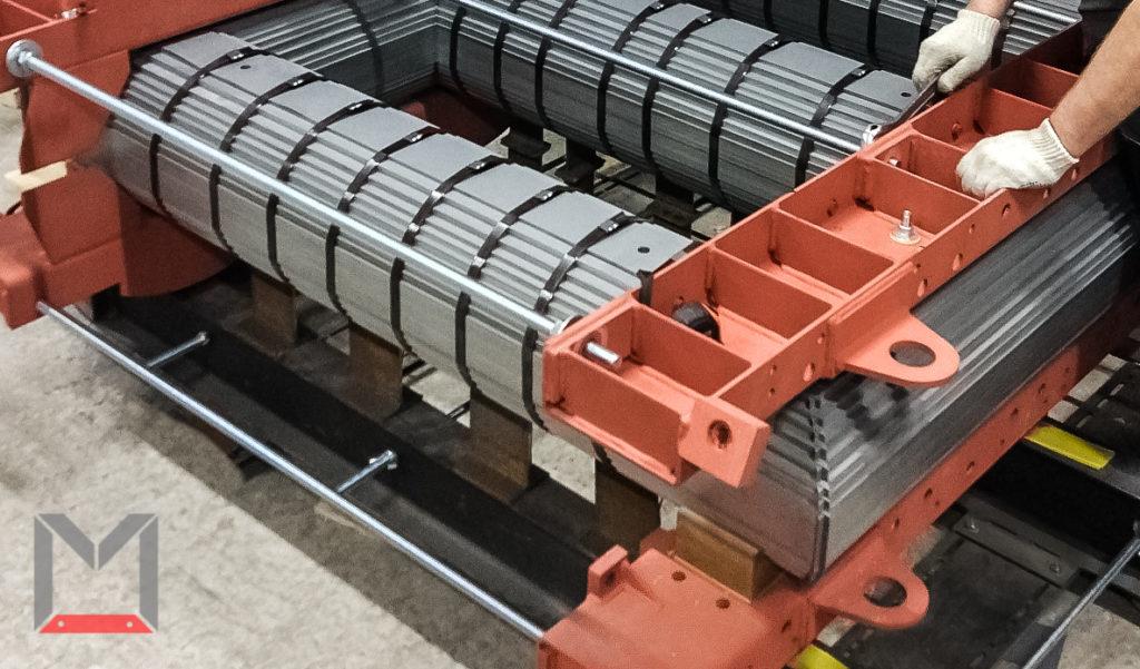 На фотографии представлен процесс окончания сборки магнитопровода трансформатора мощностью 3200кВА