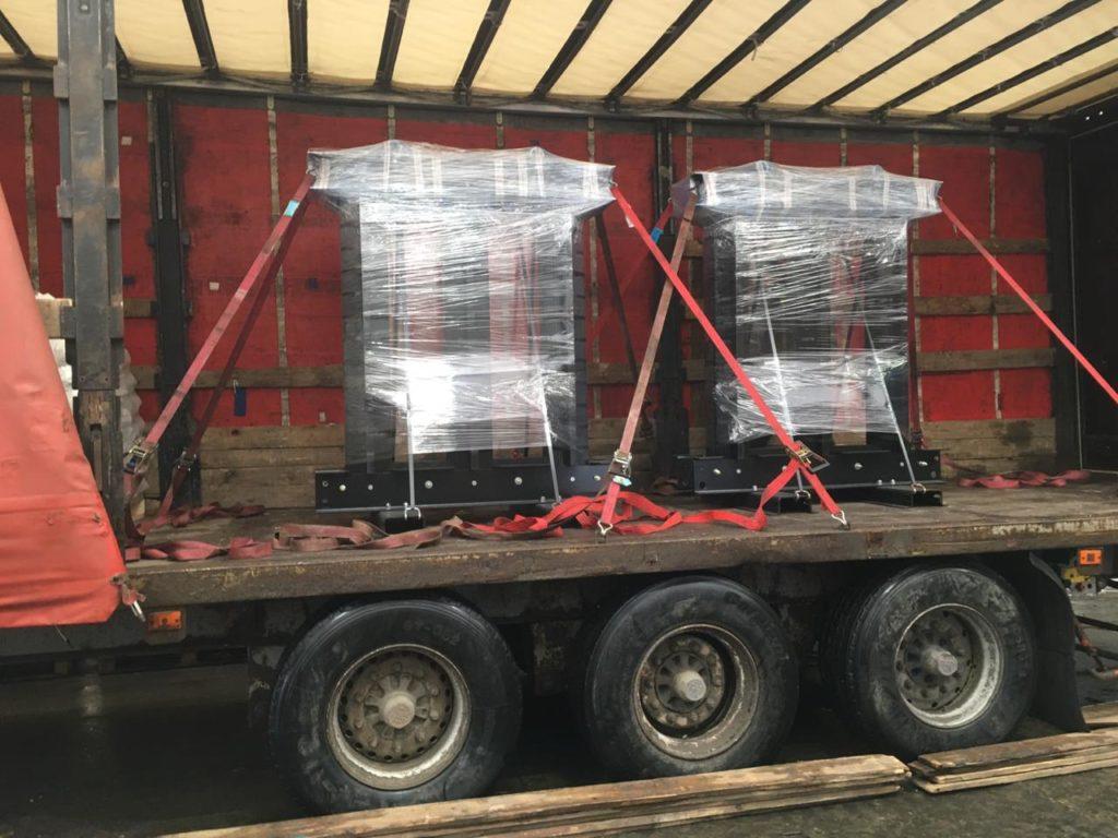 Сердечники трансформаторов, готовые к отгрузке на автотранспорте